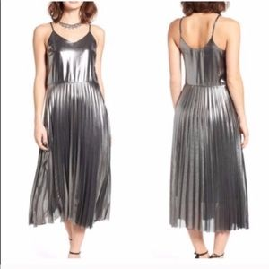 New Year's Eve Love, Fire Silver Pleated Dress